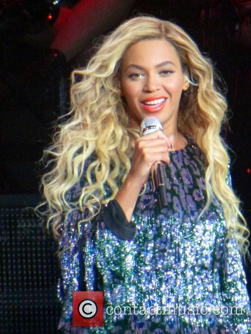 Beyonce performing live at the O2 Arena London