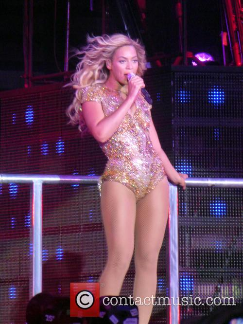 beyonce beyonce performing live at the o2 4093714
