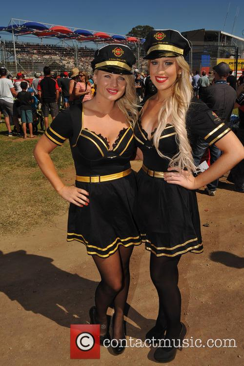 Hot Girls at Clipsal 500