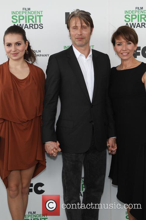 Mads Mikkelsen, Hanne Jacobsen and Viola Mikkelsen 4