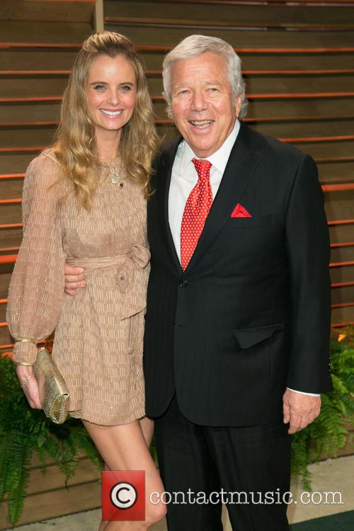 Vanity Fair, Ricki Noel Lander, Robert Kraft, Sunset Plaza
