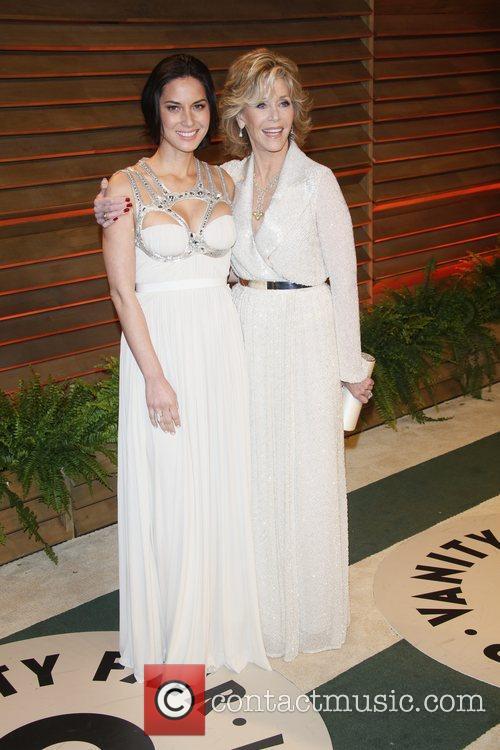 Jane Fonda and Olivia Munn (l) 6