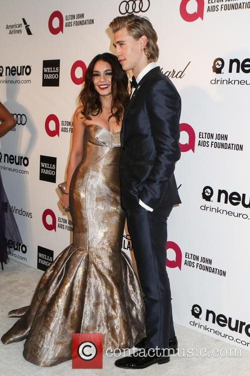 Vanessa Hudgens and Austin Butler 9
