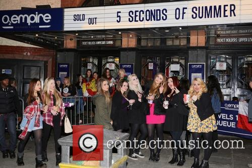 Seconds and Summer Fans 3