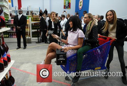 Rihanna, Cara Delevingue and Joan Smalls 3