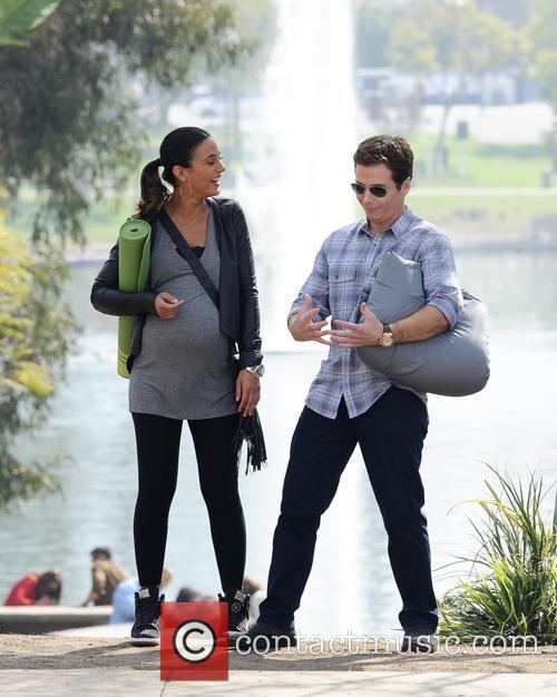 Kevin Connolly and Emmanuelle Chriqui 2