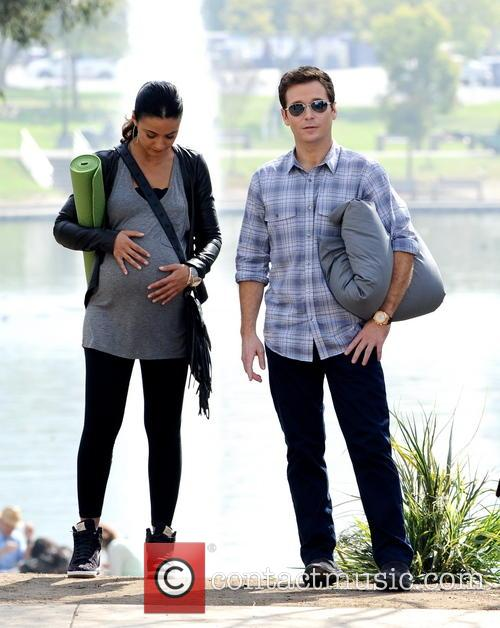 Kevin Connolly and Emmanuelle Chriqui 6