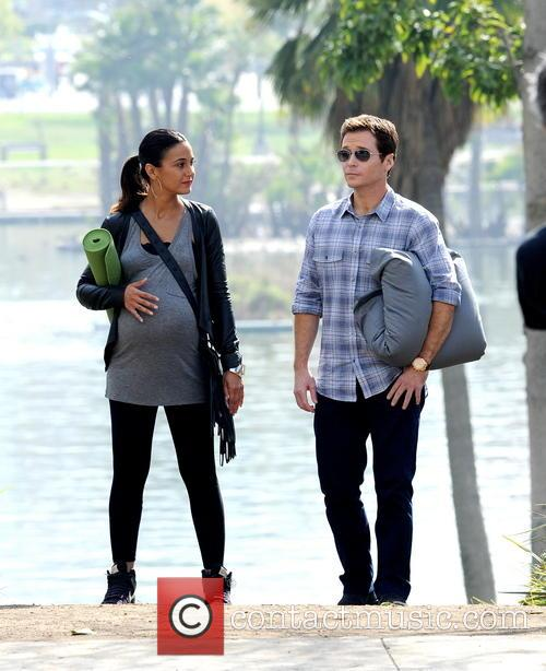 Kevin Connolly and Emmanuelle Chriqui 9