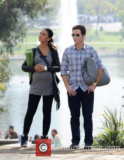 Kevin Connolly and Emmanuelle Chriqui 10