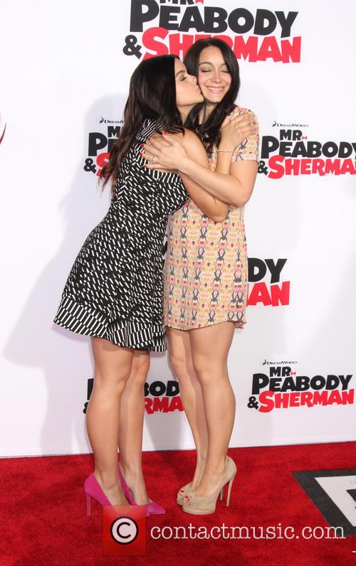 Ariel Winter and Shanelle Workman 4