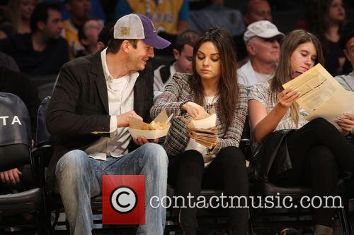 Ashton Kutcher and Mila Kunis 4