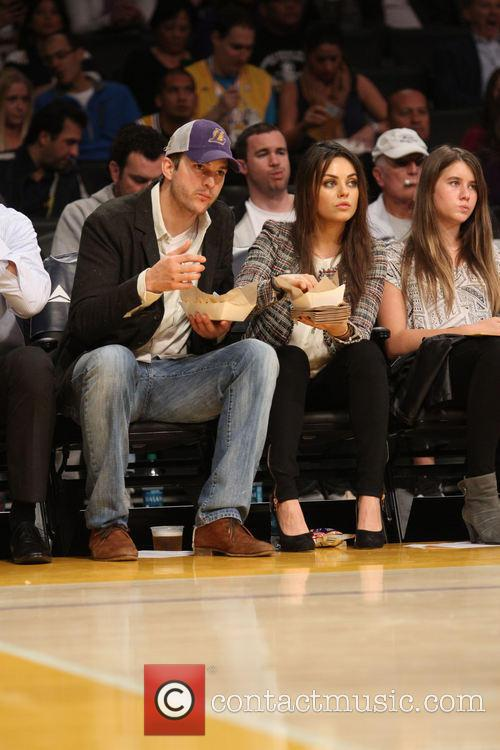Ashton Kutcher and Mila Kunis 5