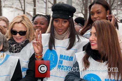 Kim Cattrall, Naomi Campbell and Muna Rihani Al Nasser 2
