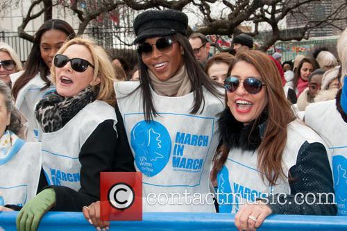 Kim Cattrall, Naomi Campbell and Muna Rihani Al Nasser 8