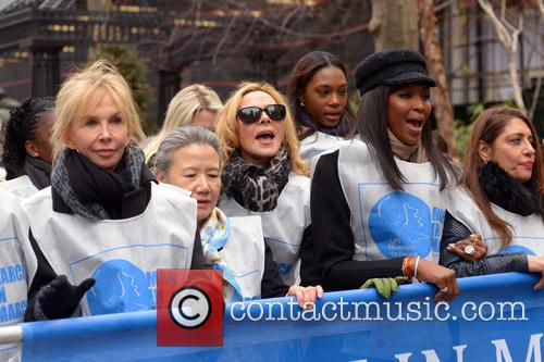 Trudy Styler, Ban Soon-taek, Kim Cattrall and Naomi Campbell 6