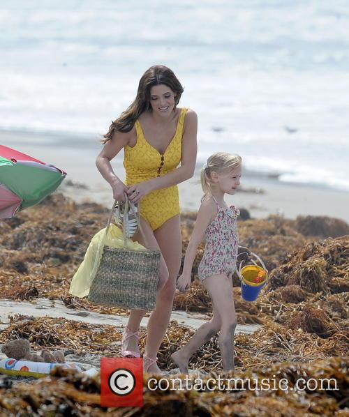 ashley greene alyvia alyn lind celebrities on the 4101530