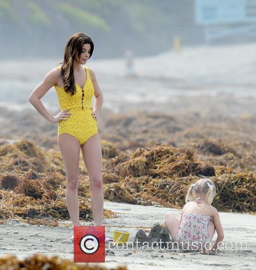 Ashley Greene and Alyvia Alyn Lind 13