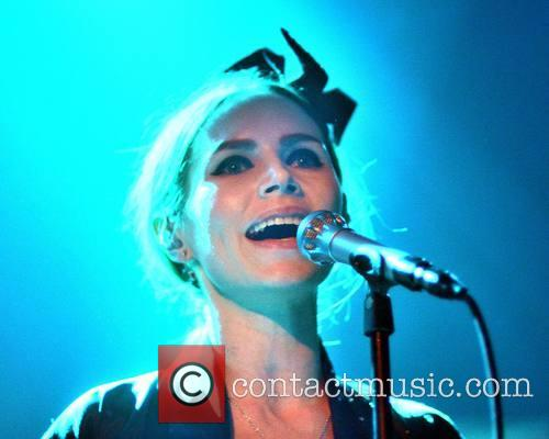 Nina Persson 10
