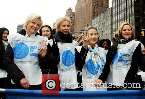 Cindy McCain, Trudie Tyler, Ban Soon Taek and Kim Cattrall 2