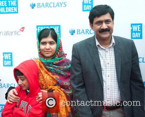 Malala Yousafzai, Ziauddin Yousafzai and Apal Khan 6