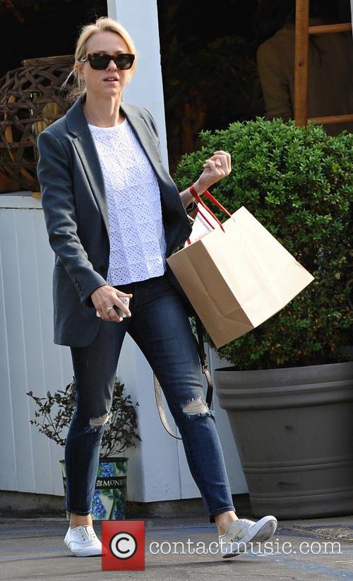 Naomi Watts leaves Brentwood Mart