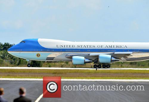 Barack Obama, Air Force One and Michelle Obama 10