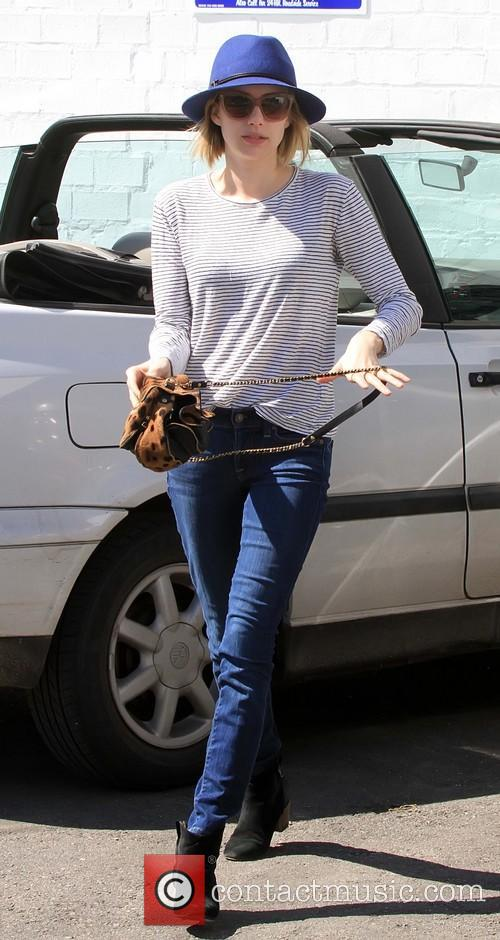 Emma Roberts running errands alone