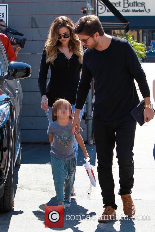 Scott Disick, Mason Disick and Khloe Kardashian 8