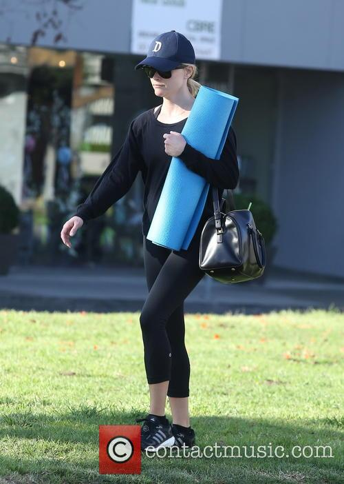 Reese Witherspoon leaving yoga class