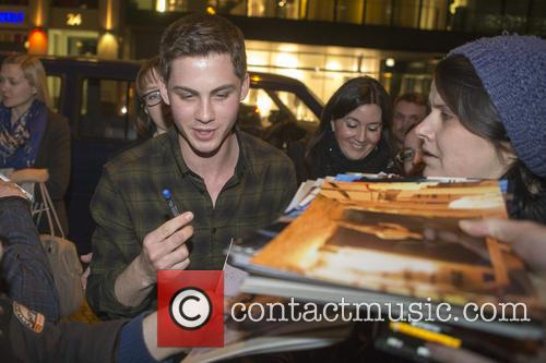 logan lerman noah cast dinner at borchardt 4107887