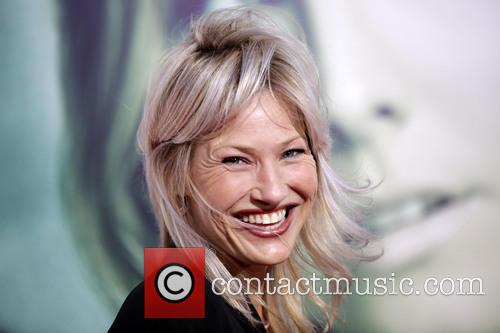 Joey Lauren Adams 5