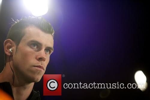 gareth bale gareth bale presents his new 4108227