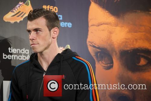 Gareth Bale presents his new boots