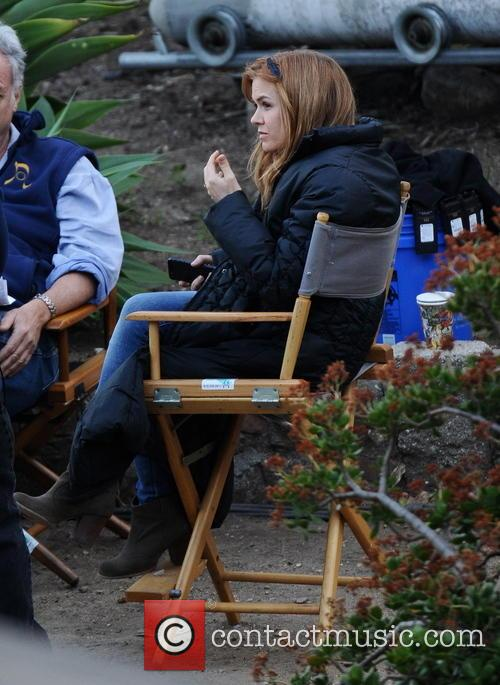 Isla Fisher Pregnant On Filmset