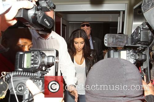 Kim Kardashian, Khloe Kardashian and Kourtney Kardashian 2