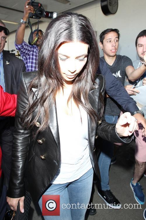 Kim Kardashian, Khloe Kardashian and Kourtney Kardashian 6