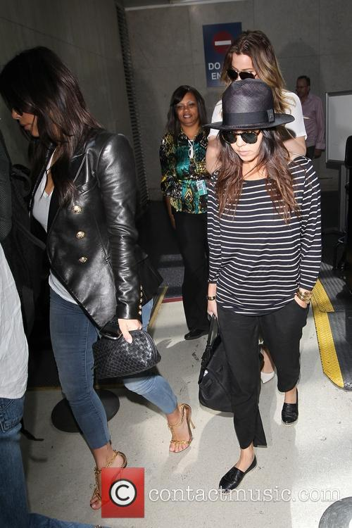 Kim Kardashian, Khloe Kardashian and Kourtney Kardashian 10