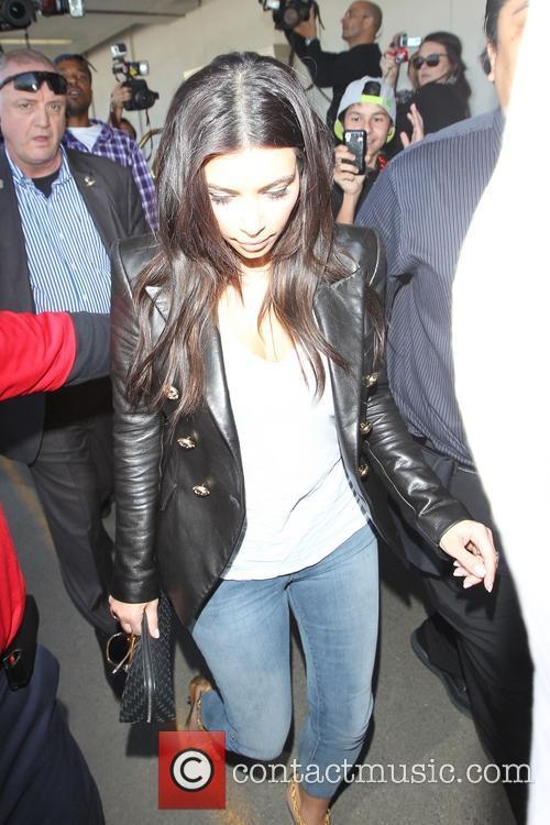 Kim Kardashian, Khloe Kardashian and Kourtney Kardashian 27