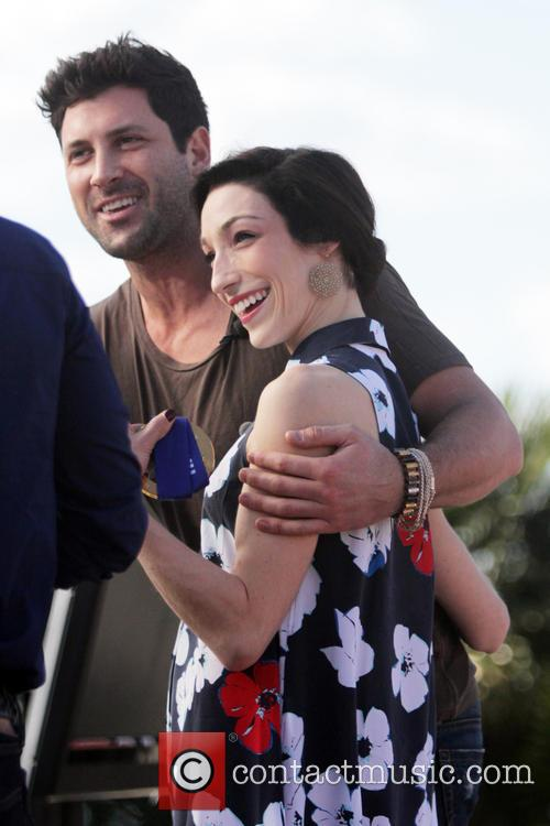 who is max dating on dancing with the stars 2015 Maksim chmerkovskiy reflects on past seasons of dancing with the stars reveals he isn't allowed to by reality teaon september 12th, 2016 on partner-pro romances, maksim says there was never any truth to him dating meryl davis.