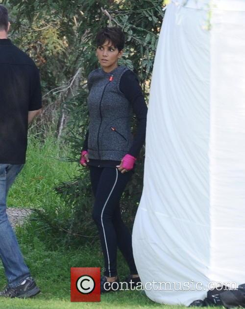 halle berry halle berry on the set 4110352
