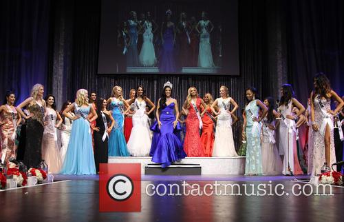 The  and Contestants 11