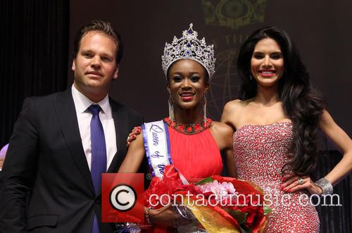 Michael Ohoven, Ariel Diane King and Joyce Giraud 10