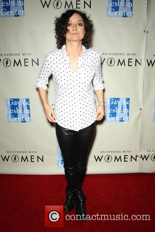 Sara Gilbert, The Roxy