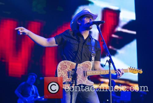 brad paisley country 2 country day 4112323