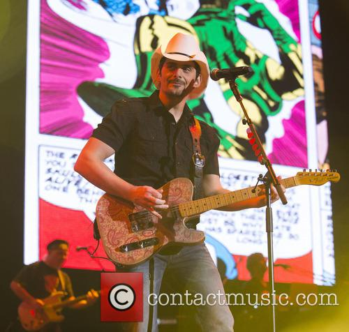 brad paisley country 2 country day 4112333