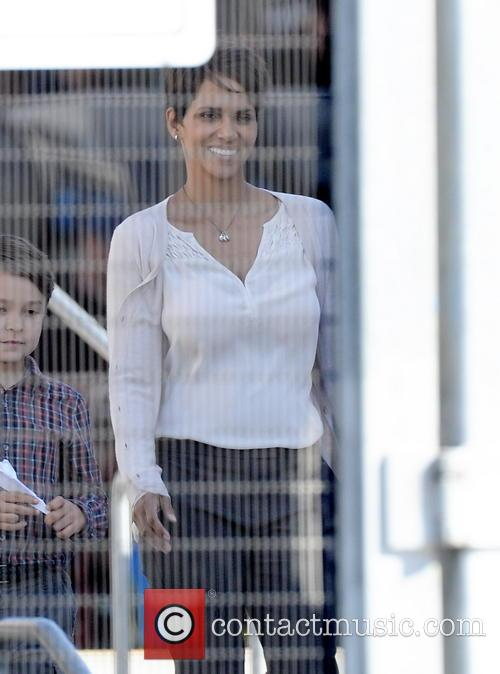 Halle Berry and Pierce Gagnon 5