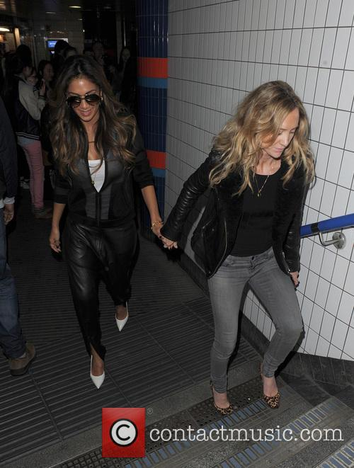 nicole scherzinger nicole scherzinger suprises commuters and 4113725