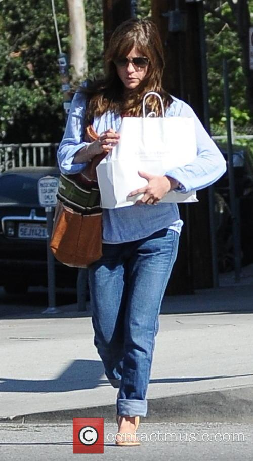 Selma Blair runs errands alone