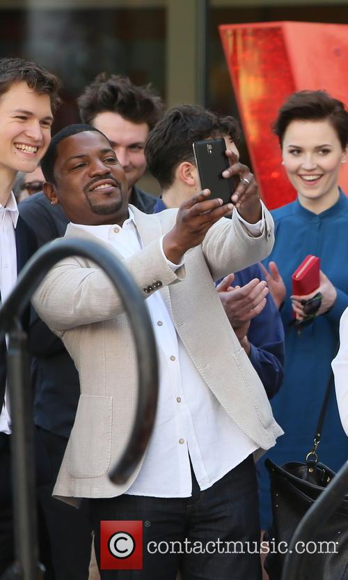 Mekhi Phifer, Veronica Roth, Ansel Elgort and Miles Teller 6