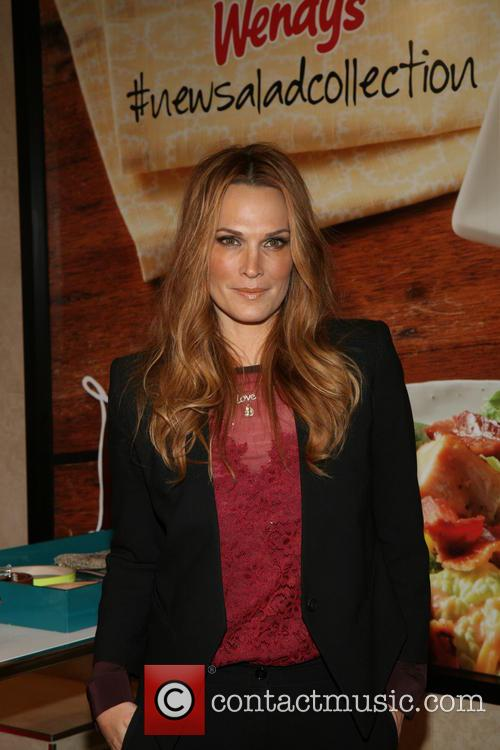 Molly Sims Presents Wendy's New Salad Collection
